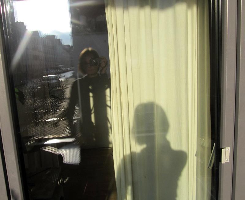 Balkonselfie mit Schatten