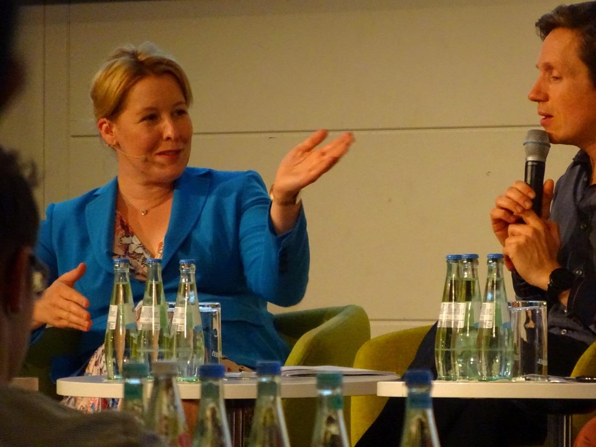 Giffey Bertelsmann Tagung